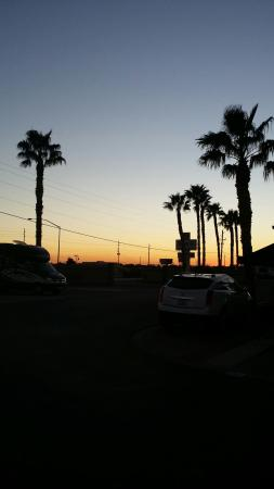 Shangri-La RV Resort: Beautiful sunsets!