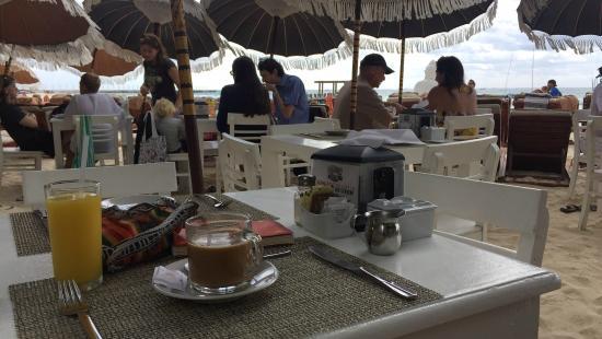 El Taj Oceanfront & Beachside Condos Hotel: Buenos dias - cafe con crema para mi!