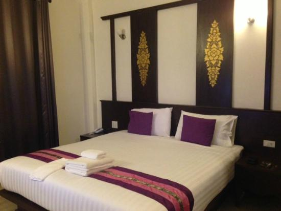 Amonluk Hotel