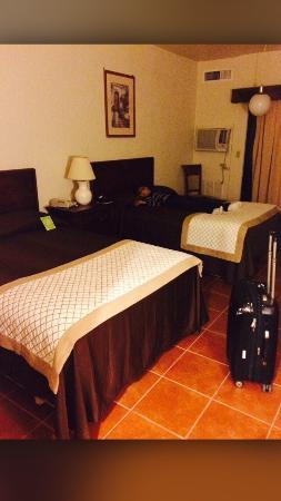 Rosarito Beach Hotel: Coronado tower room.