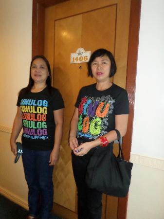 Golden Peak Hotel & Suites Cebu : outside our room