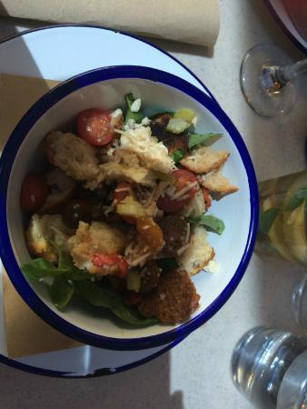 Hazelhurst Cafe: Panzanella Salad