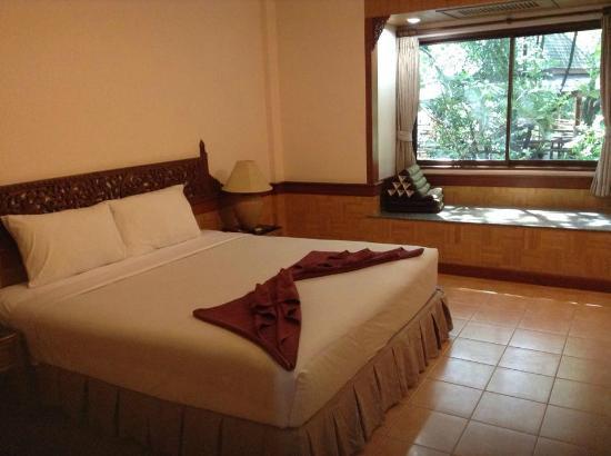 100 Islands Resort & Spa : สภาพห้องนอน