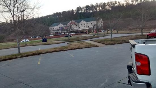 Hilton Garden Inn Cartersville: Front View