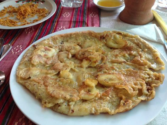 Yar Pyi Vegetarian Restaurant: Yummy banana pancake