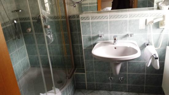 Hotel Drei Schwanen: Bad