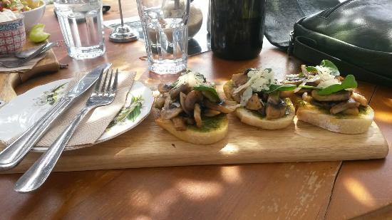 The Bridport Cafe: Mushroom bruschetta