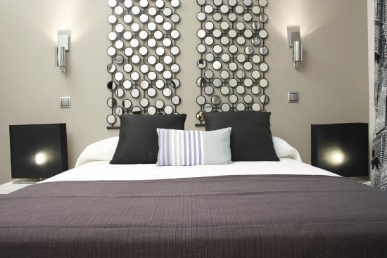 WooTravelling Atocha 107 HOMTELS : Dormitorio luminoso y cómodo / Comfortable and bright bedroom