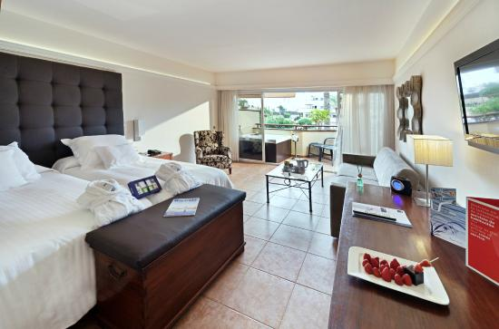 Barcelo Corralejo Bay : Habitación Deluxe con bañera de hidromasaje