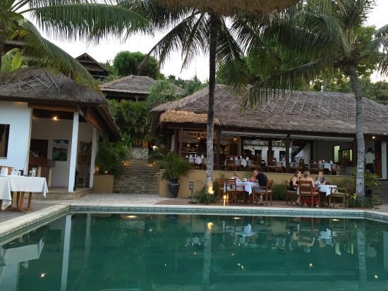 Pool dining picture of muntigs bar restaurant nusa lembongan tripadvisor - Pool dining ...