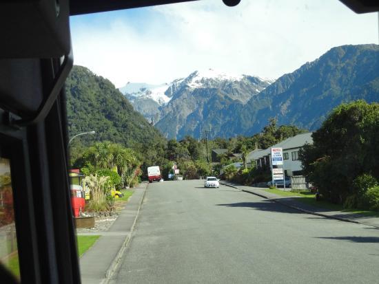 Bella Vista Motel Fox Glacier: Into glacier country