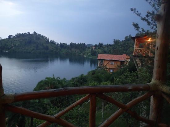 Cormoran Lodge : Lake view
