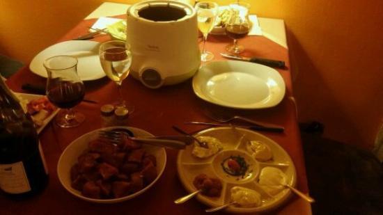 La fondue bourguignonne et son service imp ccable - Le bon coin meurthe et moselle ameublement ...