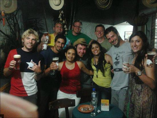 Palm Tree Hostal Medellin: noche de fiesta