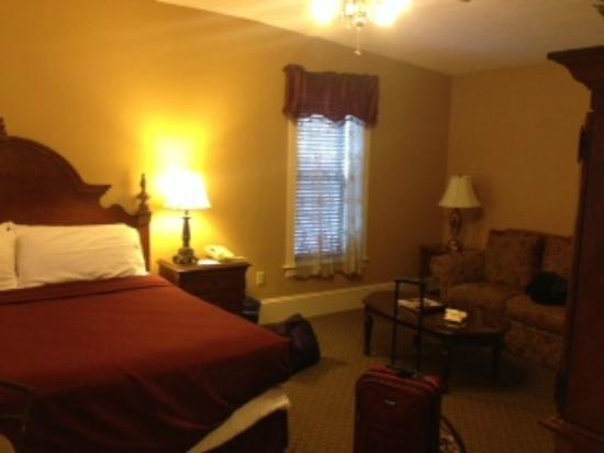 Inn at Jim Thorpe: Our mini suite room.