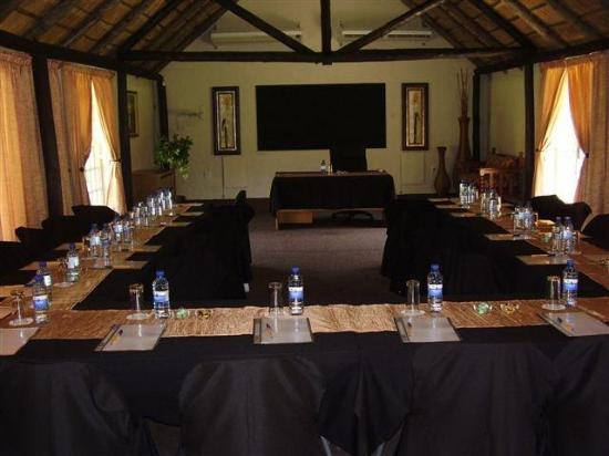 Dome Inn Lodge: One of our conference rooms