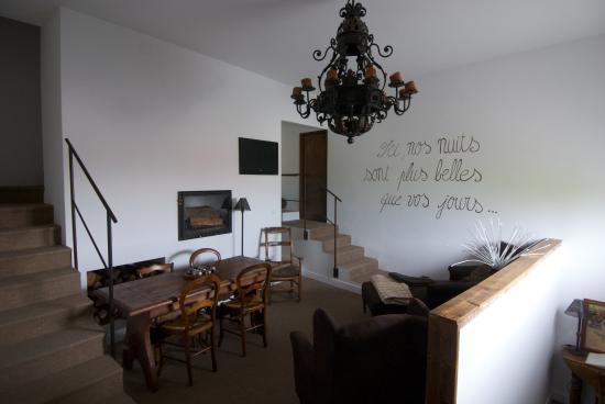 La Maison d'Isabelle: Common living room