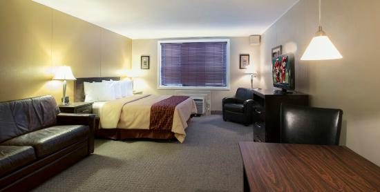 Red Roof Inn & Suites Herkimer: King Suite