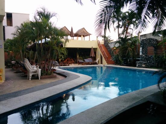Sabai Mansion: pool view