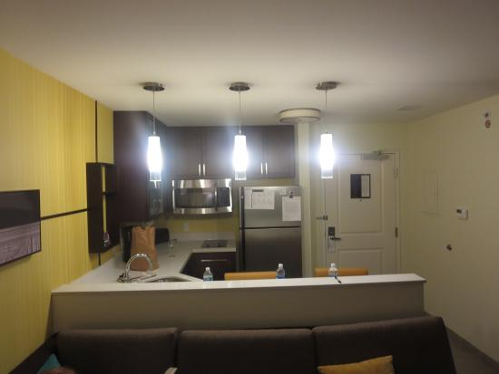 Residence Inn Champaign : view from the entryway