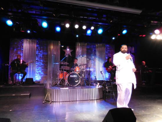 Rockbox Theater: George Straight and Friends