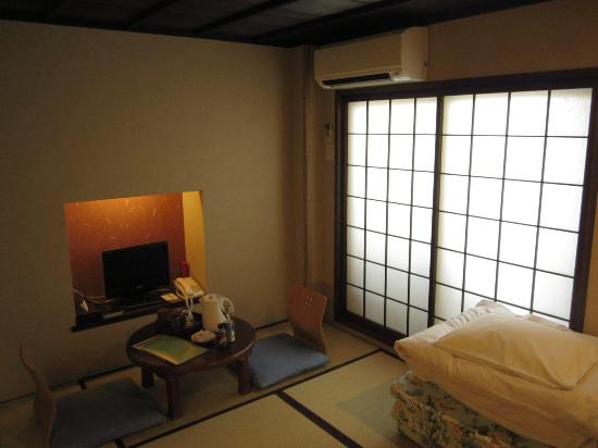 Matsubaya Inn: Matsubaya second story living room