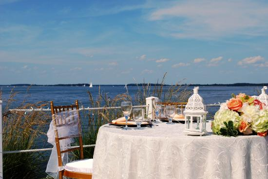Harbourtowne Resort: Waterfront Weddings and Events