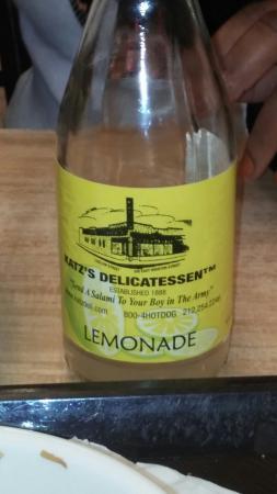 Best lemonade ever - Foto di Katz's Deli, New York City - TripAdvisor