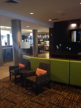 Courtyard Scottsdale Salt River: Lobby