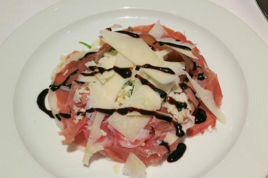 Al Duca : Prosciutto sardo con rúcula y parmesano