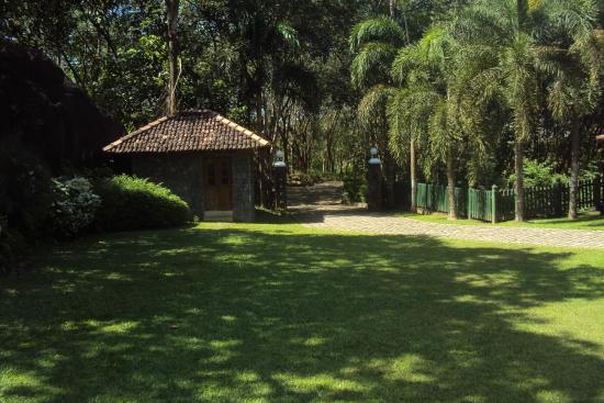 The Sanctuary Lodge: Gatehouse in Garden--All well kept