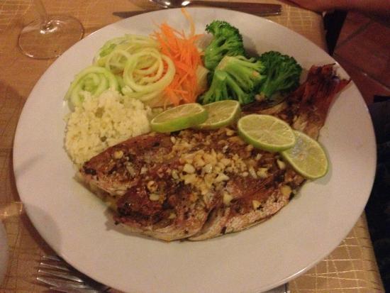 Hotel Villablanca Huatulco : Red snapper dinner from onsite restaurant