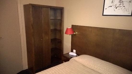 lit et armoire