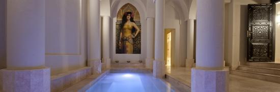Balinese Retreat: Roman Bathhouse