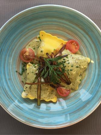 A cote de chez Clement : Ravioles ricotta épinards sauce Pesto vert