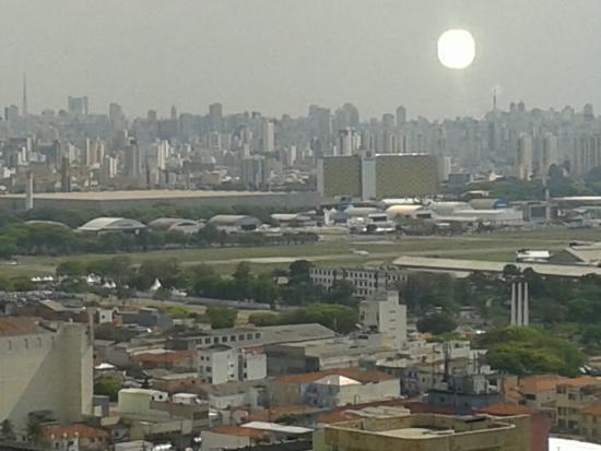 Brasilia Small Town Flat Service: vista do quarto (parque anhembi).
