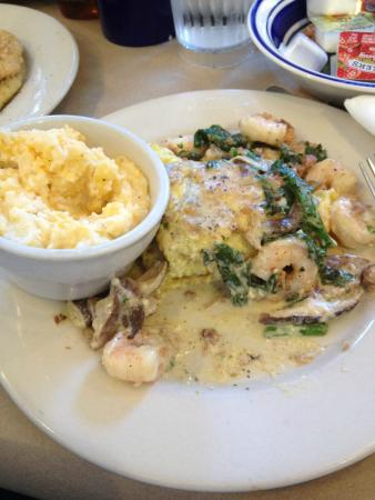 Palmer's Village Cafe: Coastal Delight w/ Cheese Grits