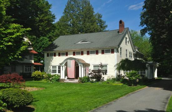 Warwick Valley Bed and Breakfast: Front of Bed and Breakfast