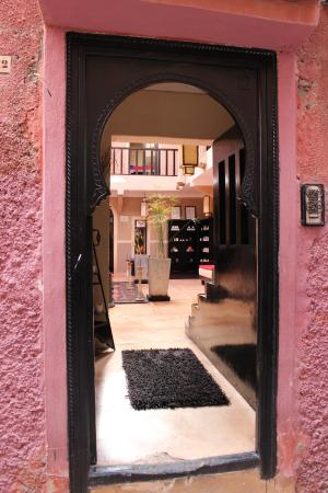 Riad Isis: Entrance to the riad