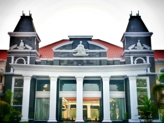 Adhiwangsa Hotel and Convention Hall