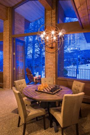 Snowmass Mountain Chalet: game