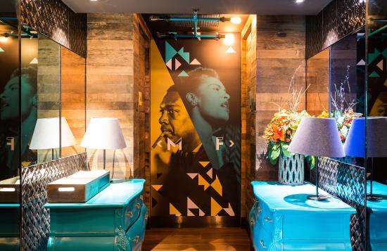 Bluetrain: Funky Bathrooms