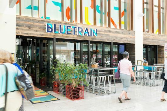 Bluetrain: Exterior