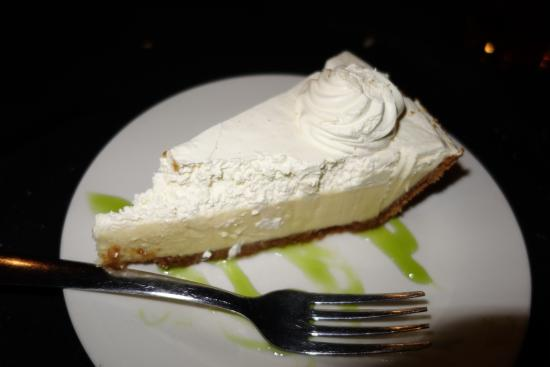 Memories & More Restaurant and Piano Bar: Key Lime Pie