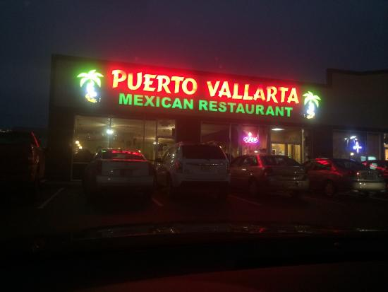 Puerto Vallarta Mexican Restaraunt: Packed Parking Lot.. You're in the right place
