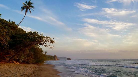El Rey Patricio: Vistas en la playa a 1 min del hotel