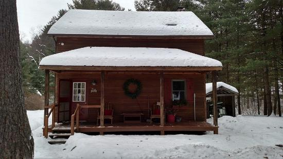 Sylvania Country Lodging: Our Cabin  Home for the Weekend