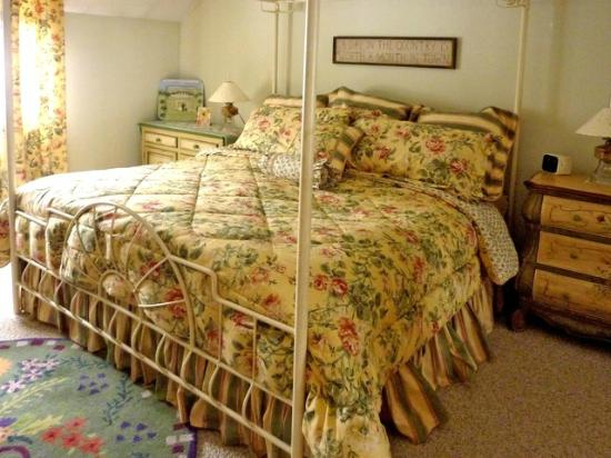 كولد مون فارم بد آند بريكفاست: Cold Moon Farm Bed & Breakfast LLC
