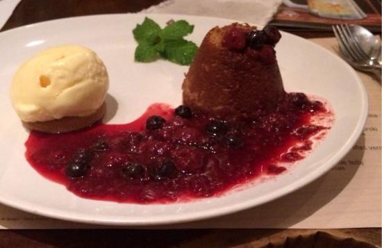 Madero Maringa Catuai: Delícia! Muitos pratos parecidos com Outback!! Ótimo atendimento!! Sobremesa deliciosaaaaaa!!
