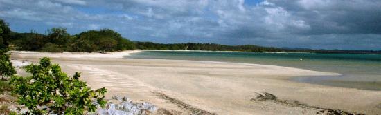 Poum, New Caledonia: La plage au Sud